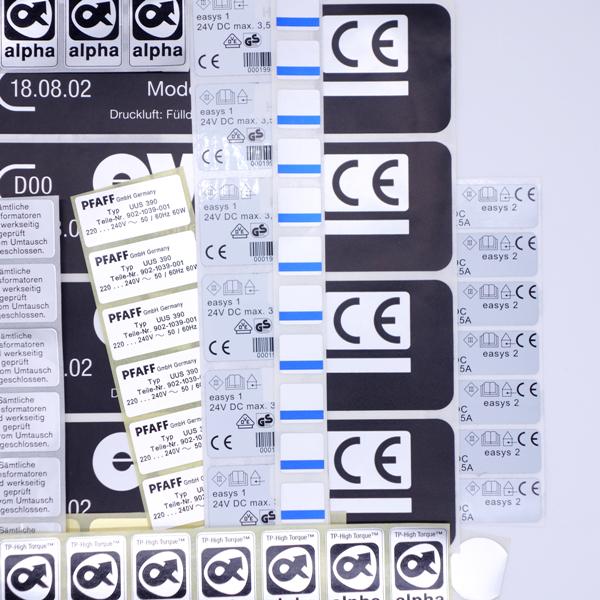Maschinenetiketten von Schlegel Etiketten mit verschiedenen Beschriftungen