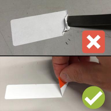 Etikett mit Anfasser und Etikett zum Abkratzen